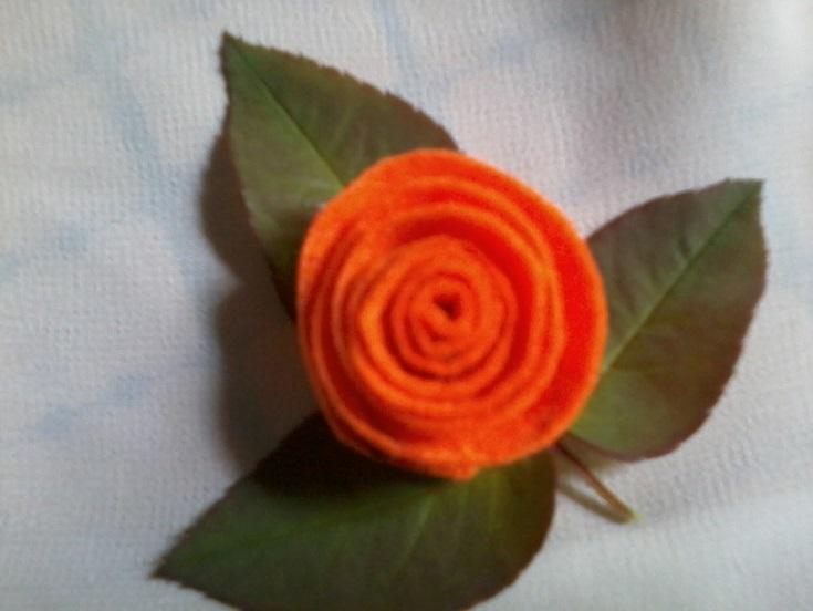 How to make a rose with velvelteen cord