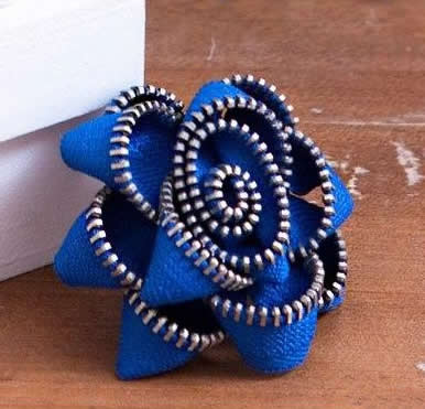 DIY Zipper Flower Brooch